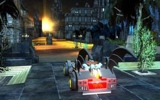 Waar het in de 3DS-versie niet mogelijk was, kun je nu wel een ritje maken in de batmobile.