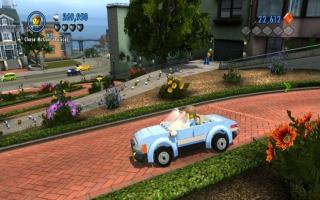 Je kunt in dit spel met heel veel auto's door de gigantische stad racen!
