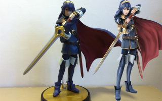 Lucina vergeleken met haar digitale versie in <a href = https://www.mariowii-u.nl/Wii-U-spel-info.php?t=Super_Smash_Bros_for_Wii_U>Super Smash Bros for Wii U</a>.