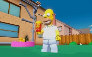 Homer's krachten zijn glas breken, groot worden en gebarsten muren breken.